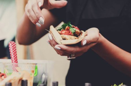 Top tips on how to find the best BBQ caterer for your upcoming event