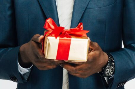Make your Husband happy with these Creative Gifts